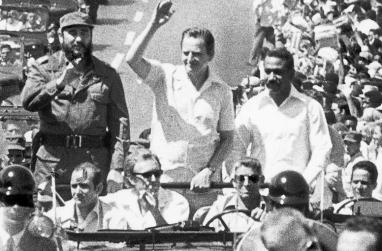 Olof Palme med Castro i Havanna 1975