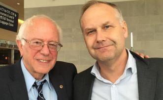 Bernie Sanders tillsammans med Jonas Sjöstedt.